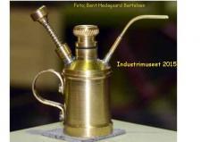 10n, En lille bitte smørekande kun 20mm høj – bygget og anvendes af Sven-Eric Nielsen i Hørning! Foto; Bent Hedegaard Bertelsen, Industrimuseet lørdag den 10. oktober 2015.