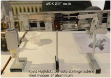 10o, En Stirling motor bygget af genbrugsmaterialer, noget som modelbyggeren Kjeld Højfeldt er ekspert i – det stykke brugskunst i aluminium som noget B&O agtigt! Foto; Jesper Hansen den 27. januar 2015!