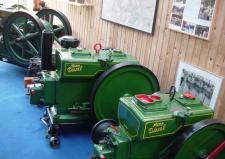11e, En privat samler i Struer har en helt enestående flot samling af de gamle Energimaskiner! Ks – for en del år siden!
