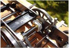 """1j+k+l, Bjarne Larsen i Ringkøbing er i færd med at bygge sig et Damplokomotiv – sporvidde 7¼"""" – set i nærhenden af Faarup Havebane! Foto; Ks – Faarup Banen 5. juni 2015"""