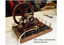 2b, Denne model af en Dampmaskine er bygget af Otto Høj i Holbæk! Foto; Jesper Hansen, København