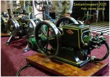 3b, En modelmotor, den kan skam godt tøffe som forbilledet – Modellen er bygget at Lynge Olsen fra Brønderslev, efter en B.L.A. motor fundet i en mose og nu i Lynge's besiddelse! Foto; Verner Nyhus på Industrimuseet den 10. oktober 2015