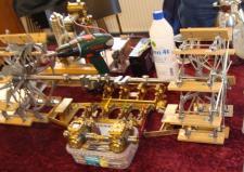 4d, Det 4. billede af Hans Jørgens Petersens ret så omfattende modelbyggeri af Hjejlemaskineriet – alle detaljerne i det originale maskineri, ser ud til at være fulgt punktligt! Ks, Medlemsmøde i Risskov den 25. januar 2014.