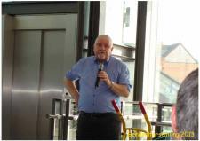 5s, Jesper Bøhm, bestyrelsesmedlem i ModelDampKlubben holder fortæller til generalforsamlingen om tilblivelsen af ModelDampKlubben den 6. april 1983 – for netop 30 år siden! Ks; Udstilling og generalforsamling i Odense på Jernbanemuseet 6. april 2013