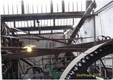 6d, Et vue ind maskinhallen – med et imponerende sæt af forlagsaksler, som når der var vand nok til rådedighed fra en 40Hks vandturbine, den er placeret i den fjerne ende af billedet – når og hvis der ikke var Kraft nok, så kom en ligeledes 40Hk Dampmaskine ind i billedet, som trækkraft via forlagstøjet ud til de enkelte maskiner! Foto; Ks den 31. maj – GODTHAAB HAMMERVÆRK, Svenstrup ved Aalborg