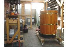 8d, Rolf Voss i Flensborg har bygget eller anskaffet sig en Dampkedel til sin Dampshallup! Foto; Rolf Voss, Flensborg